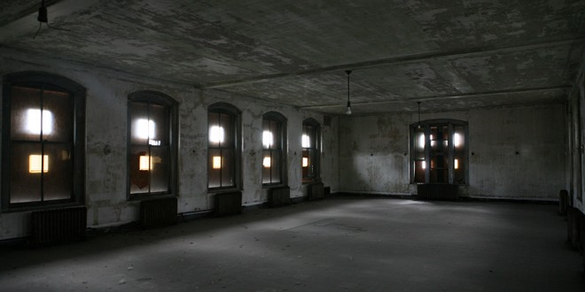 Visit The Abandoned Ellis Island Hospital While You Can!